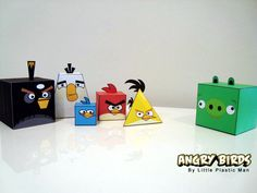 Angry Birds Papercraft Figurine Design- Free templates available from their website too. I downloaded these for my nephews, but I've got some on my office desk too!!!  ;-))