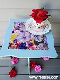 Use colour and decoupage to transform a vintage side table into a bright floral feature piece and upcycle with a little Resene paint and some imagination. Decoupage Table, Tea Party Table, Community Activities, Table Top Design, Flower Images, Project Yourself, Side Tables, Fun Projects, Picture Frames