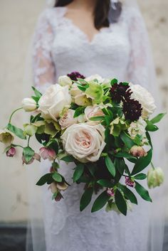 We are a little obsessed with flowers here at The Wedding Playbook! So many beautiful wedding bouquets have landed on our desk this year, we couldn't help but put together a roundup of the most stunning arrangements, featuring romantic hues, modern textures and subtle detail.