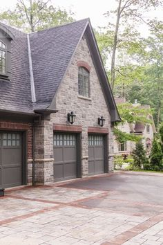 Canterbury red brick stone brick house design ideas for Mixing brick and stone exterior