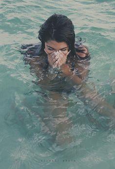 Water baby after surfing Summer Vibes, Summer Sun, Summer Of Love, Summer Beach, Photos Bff, My Pool, Summer Goals, Foto Pose, Beach Bum