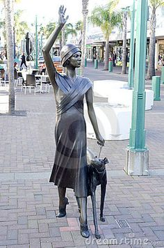 Art Deco statue in Napier, New Zealand