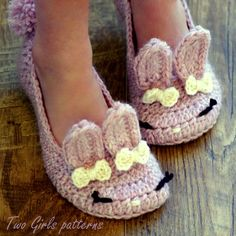 Children's Crochet Pattern -The Classic Year-Round Bunny Slipper - Big Kid's shoe Sizes 10-2 - Pattern 215 Instant Download