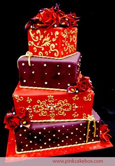 Red, Burgundy and Gold cake - stunning!!