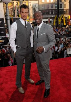 Josh Duhamel and Tyrese Gibson at event of Transformers: Dark of the Moon
