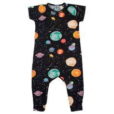 799bec2db MACACÃO INFANTIL GALÁXIA WOOL KIDS Macacão infantil com estampa exclusiva  de galáxia e tecido de malha