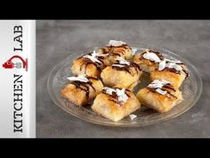 Syrupy coconut phyllo bites by the Greek chef Akis Petretzikis. Make easily and quickly this recipe for a scrumptious dessert with coconut and crispy filo! Muffin, Coconut, Sweets, Breakfast, Desserts, Recipes, Food, News, Google