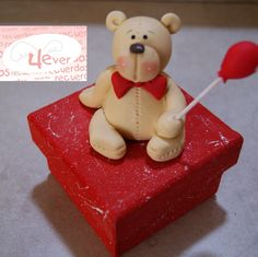 manualidades madera country san valentin - Buscar con Google Clay Box, Love Days, Pasta Flexible, Valentine's Day Diy, Gingerbread Cookies, Flexibility, Teddy Bear, Valentines, Toys