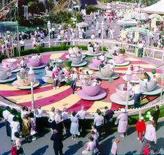 Mad Tea Party ride in Fantasyland at Disneyland Disney Parks, Walt Disney World, Disney Pixar, Disney Theme, Disney Characters, Retro Disney, Disney Love, Disney Magic, Punk Disney