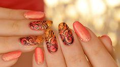 nail art spirale tribal Ongles vernis style nails art avec des spirales en feu ( couleurs chaudes : rose, rouges, orange)