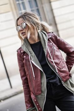 This Fall/Winter the leather jacket is red. Combined with a grey sweater and maybe a scarf, it keeps you warm when the days get colder. Perfect fall outfit women's fashion streetstyle streetwear casual aviators wavy texture blonde hair ponytail