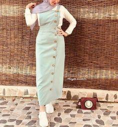 Hijab style in spring colors – Just Trendy Girls Modern Hijab Fashion, Muslim Fashion, Modest Fashion, Trendy Fashion, Fashion Dresses, Trendy Style, Trendy Colors, Fashion Tips, Hijab Dress Party