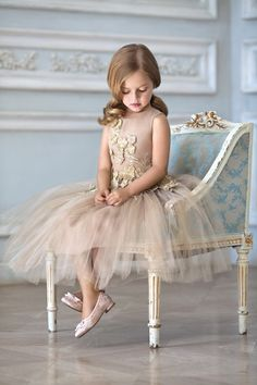 20 Fall Flower Girl Outfits That Are Just Too Cute: Tan and gold tulle dress Flower Girls, Fall Flower Girl, Flower Girl Outfits, Cute Flower Girl Dresses, Little Girl Dresses, Diy Flower, Pretty Dresses For Kids, Beautiful Dresses, Girls Dresses