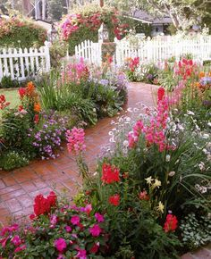 Janet Lohman Design I love the pathway and the colourful flowers 40 Fresh Cottage Garden Ideas for Front Yard and Backyard Inspiration Flower Garden Photograph Flower Ga. Cottage Garden Design, Cottage Garden Plants, The Secret Garden, Parcs, Front Yard Landscaping, Dream Garden, Pathways, Garden Paths, Colorful Flowers