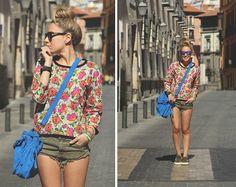 coque, flowers, blue bag, short shorts, cool.