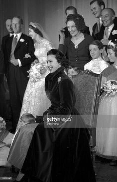 Princess Margaret - attends the wedding of the Earl of Dalkeith son of the Duke of Buccleuch and ex Hartnell model Jane McNeil at St Giles Church Edinburgh. Princess Margaret Wedding, Princess Diana, Royal Family Pictures, Family Photos, Margaret Rose, Duchess Of York, Queen Mother, English Royalty, Mode Vintage