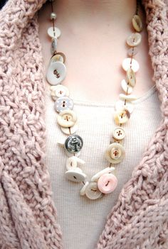 Have a lot of buttons floating around?  Here's a cute way to reuse them.     www.facebook.com/...