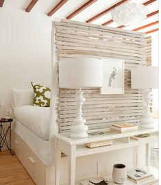 Shabby Chic room divider in small studio apartment... http://www.browzer.net/category/decorating/decorating-ideas/