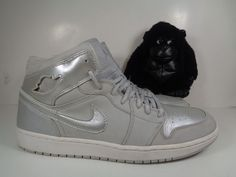 1ef61603029103 Mens Nike Air Jordan 1 Retro Metallic Basketball shoes size 13 US 136065-001