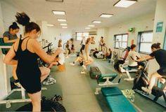 Salsa Com Pimenta: Circuit Training (Treinamento em Circuito) Salsa, Gym Equipment, Basketball Court, Fitness, Circuit Training, Physical Activities, Athlete, Salsa Music, Restaurant Salsa