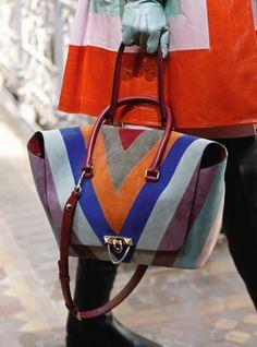 Valentino Pre-Fall 2017 New-York - #details #bag NOWFASHION