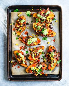 You won't believe the flavor in these Mexican sweet potatoes, topped with black bean pico de gallo and creamy cilantro sauce! Sweet Potato Skins, Sweet Potato Chili, Sweet Potato Recipes, Vegetarian Dinners, Vegetarian Recipes, Healthy Recipes, Vegan Vegetarian, Fast Recipes, Vegetable Recipes