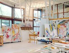 Studio of Willem de Kooning  1982. Source: Architectural Digest magazine