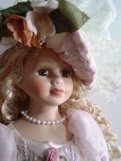 Boneca De Porcelana | Loira | Antiga - R$ 350,00 no MercadoLivre