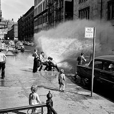 Vivian Maier: New York, NY. June 1954.
