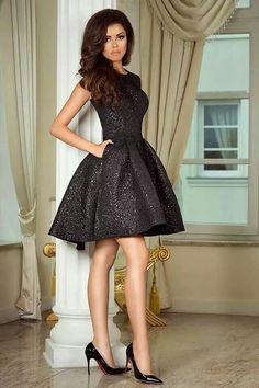 http://allegro.pl/studniowka-sukienka-rozm-36-zjawiskowa-i4972321431.html