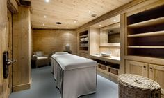 Architecture, Ski Chalet Resort with Traditional Style : Wooden House With Spa Room