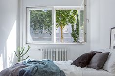 Bed bedroom Leberstrasse Berlin immobilienagentur Fantastic Frank Style At Home, Small Apartments, Small Spaces, Exterior Design, Interior And Exterior, Decorating Blogs, Home Fashion, Decoration, Space Saving
