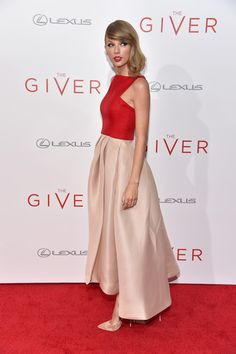 """Taylor Swift Photos - """"The Giver"""" New York Premiere - Arrivals - Zimbio"""