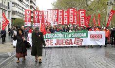 Manifestación en Valladolid, España contra los recortes en Educación y Sanidad.  Protest in Valladolid, Spain against the budget cuts in Education and Public Health