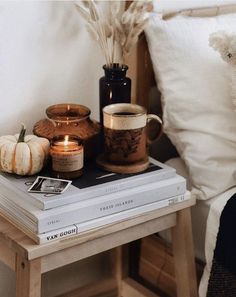 Polly Florence on Those cosy autumn days with coffee and candles burning How are you spending your weekend loves We took another trip to the pumpkin Autumn Room, Autumn Day, Autumn Nature, Hello Autumn, Fall Bedroom Decor, Fall Home Decor, Earthy Bedroom, Bedroom Wall, Florence