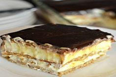 You only need a handful of ingredients to make this No Bake Chocolate Eclair Cake. You'll love the Home Made Chocolate Eclairs and Bee Stings too! No Bake Desserts, Easy Desserts, Dessert Recipes, Bon Dessert, Food Cakes, Cupcake Cakes, Eclair Cake Recipes, Hungarian Recipes, No Bake Cake