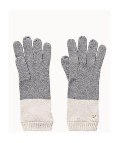 Modische Strickhandschuhe mit glatter Oberfläche aus einer hochwertigen Materialkombination. Die Handschuhe sind sehr weich und halten angenehm warm. Am Abschluss ist eine Rippenstruktur verarbeitet. Aus 37% Viskose, 30% Baumwolle, 18 Polyamid, 10% Wolle und 5% Kaschmir gefertigt....