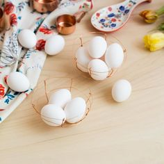 Did you see our latest DIY with @anthropologieeu? If you missed it then don't beat yourself up about it you still have time to make these copper wire Easter egg baskets before the weekend.  Just click the link in our profile and search 'Easter'  by fallfordiy