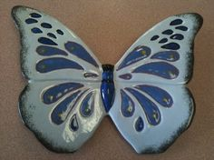 Flutter Ceramic Animals, Ceramic Pottery, Insects, Polymer Clay, Butterfly, Birds, Sculpture, Pottery Ideas, Dragonflies