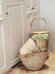 Stylish baskets for decor or towels & other items. Great for laundry rooms & bath areas. Bountiful Baskets, Modern Rustic Homes, Market Baskets, Snacks For Work, Basket Bag, Basket Weaving, Woven Baskets, Wicker Baskets, Inspired Homes