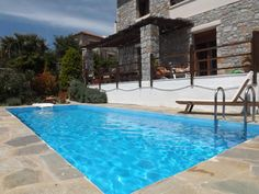 Top rated Holiday Villa with swimming pool in Agia Paraskevi - private pool and beach/lake nearby