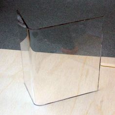 """Need curved """"glass"""" for your dollhouse or miniature scene? Need to bend clear plastic for that genius mini idea of yours? Fret no longer: How to Bend Sheet Acrylic or Plexiglass With Simple Tools. Many possibilities with this technique! Dollhouse Tutorials, Diy Dollhouse, Dollhouse Miniatures, Miniature Tutorials, Minis, Doll Furniture, Dollhouse Furniture, Barbie Doll House, Curved Glass"""