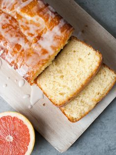 Three easy dishes to try out this week. A delicious Pasta w/ Broccoli Sauce, Crispy Baked Buttermilk Chicken and a Grapefruit Yogurt Cake that's to die for! Grapefruit Yogurt Cake, Citrus Cake, Grapefruit Recipes Dessert, Citrus Recipes, Summer Recipes, Sweet Recipes, Cupcakes, Cupcake Cakes, Peanuts