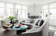 Celebrity Style : Architectural Digest Julianna Margulies, finds bliss in a family-friendly Manhattan apartment with modern-meets-Asian interiors conceived by designer Vicente Wolf Architectural Digest, Inside Celebrity Homes, Celebrity Houses, Celebrity Style, New York City Apartment, Manhattan Apartment, Living Area, Living Spaces, Living Rooms