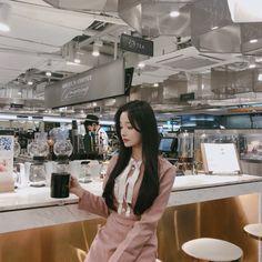 Comely u market open ☘︎/마감 Pretty Korean Girls, Korean Beauty Girls, Cute Korean Girl, Beautiful Asian Girls, Asian Beauty, Girl Korea, Asia Girl, Cute Korean Fashion, Short Girl Fashion