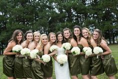 Bridal Party - Bridesmaids - Green Dresses - White Flowers - Wedding Bouquets - White Hydrangeas - Garden Roses - Cabbage Roses - Large Bridal Party - Lace Wedding Dress - Knoxville TN Florist - Home wedding - Backyard wedding ideas - www.lisafosterdesign.com