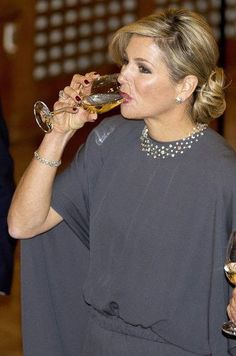 Maxima houdt ook van wijn zo te zien!