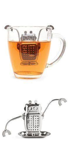 Loose leaf tea in a robot tea diffuser ♥