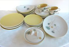 "Ben Seibel Iroquois Informal ""Lazy Daisy"" 23-Piece Set~Mid Century Modern in Pottery & Glass, Pottery & China, China & Dinnerware 