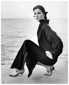 Suzy Parker in Nassau. Photo: Horst. Vogue, 1963.